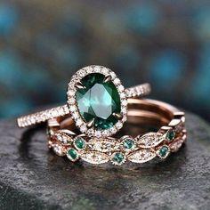 Emerald Ring Vintage, Emerald Wedding Rings, Vintage Diamond Rings, Rose Gold Engagement Ring, Engagement Ring Settings, Vintage Engagement Rings, Vintage Rings, Vintage Promise Rings, Ruby Engagement Ring Vintage