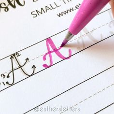 Calligraphy For Beginners, Calligraphy Tutorial, Hand Lettering Tutorial, Learn Calligraphy, Calligraphy Practice Sheets Free, Calligraphy Writing Styles, Cursive Handwriting Practice, Improve Handwriting, Lettering Brush