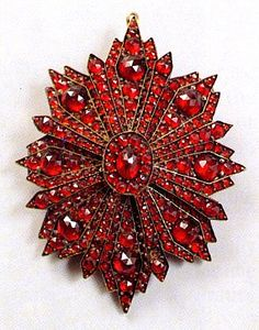 This brooch dates from the third quarter of the 19th century. Photo courtesy of The National Czech Slovak Museum Library.
