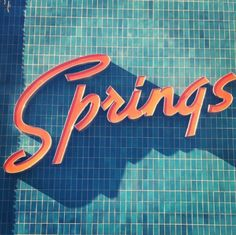 Magnificent retro typography and color combination. Very old Miami or Palm Springs. Typography Letters, Graphic Design Typography, Summer Typography, Retro Typography, Retro Font, Inspiration Typographie, Branding, Old Signs, Design Museum