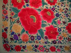 "MANTON DE MANILA ANTIGUO        "" FRIVOLITE ANTIGUEDADES "" CALLE SAN VICENTE DE PAUL Nº 18 ZARAGOZA TLF. 976207778 Embroidered Silk, Netflix, Embroidery, Flamingo, Bangs, Zaragoza, Street, Store, Felting"