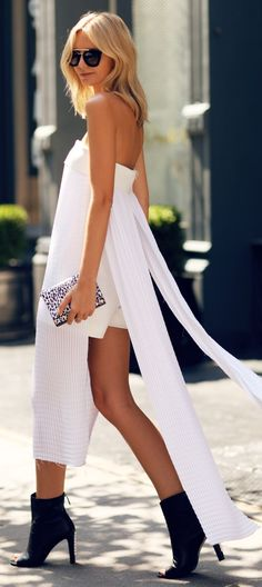 White Pleated Double Slit High And Low Off Shoulder Maxi Dress by Tuula Estilo Hippie Chic, Estilo Glamour, Vestidos Fashion, Street Style Summer, Street Chic, Street Fashion, Fashion Outfits, Womens Fashion, Swagg