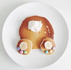 pancake for kids Easter Bunny Pancakes for Kids - Party Wowzy Easter Lunch, Hoppy Easter, Easter Dinner, Easter Food, Easter Party, Cute Breakfast Ideas, Breakfast For Kids, Easter Recipes, Spring Recipes
