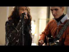 Aerosmith Steven Tyler sang with the street musician Moscow 04.09.2015 - http://streetiam.com/aerosmith-steven-tyler-sang-with-the-street-musician-moscow-04-09-2015-2/