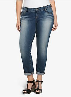 <p>Our White Label denim is casual American style - designed and fit just for you. It's authentic, lived-in fashion that's fun and sexy. Wear what you love.</p><p></p><p>This medium-washed boyfriend jean has a real chill vibe. Relaxed in the right places but with a slimming silhouette, the look is chic and sleek whether you wear it with a rolled cuff or straight leg.</p><p></p><p>For a proper boyfriend fit, you should definitely get it one size up.</p><ul><li>Mid rise</li><li>S...