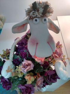 Girafa de pano decorativa versão menina