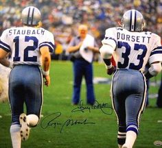 Roger Staubach and Tony Dorsett. When I cared about the Cowboys. Dallas Cowboys Players, Dallas Cowboys Pictures, Cowboy Pictures, Nfl Football Teams, Football Stuff, School Football, Football Pics, Football Images, Real Cowboys