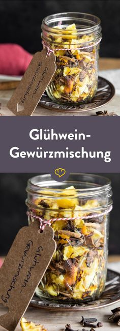 Verschenke Weihnachtsmarktfeeling: Glühwein-Gewürzmischung Just make your mulled wine spice mixture yourself, prepare it at home whenever you want or give away the Christmas market feeling in the glas Mulled Wine Spices, Comida Diy, Spice Mixes, Food Gifts, Diy Food, Homemade Gifts, Cocktail Recipes, Wine Recipes, Christmas Diy
