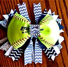 How awesome is this softball hair bow ? Softball Headbands, Softball Bows, Softball Players, Softball Things, Softball Stuff, Cheerleading, Softball Party, Softball Crafts, Flowers In Hair