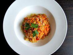 bourbonlife : Reisnudeln mit roten Linsen, Tomaten und Kokosmilc...