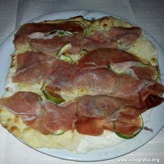 Focaccia prosciutto e fichi (#Italy) #food #cibo #pizza