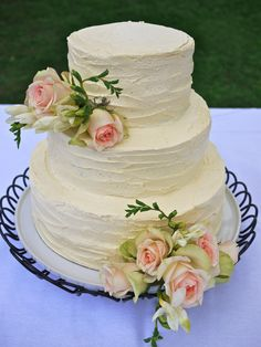 Rustic Buttercream Wedding Cakes | ... finally, a beautiful rustic buttercream cake for a friend's wedding