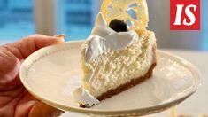 Hanna Sumari julkaisi blogissaan upean sitruunajuustokakun ohjeen ja ehdottaa sitä itsenäisyyspäivän kahvitteluherkuksi. Tiramisu, Recipies, Cheesecake, Tuli, Food And Drink, Sweets, Baking, Desserts, Deserts