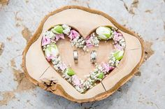 Ringschale aus Holz für die Hochzeit – New Ideas – Alliance – Alliance Mariage Diy Wedding, Dream Wedding, Homemade Hot Chocolate, Raspberry Cheesecake, Wooden Rings, Christmas Crafts For Kids, Event Planning, Gingerbread, Wedding Inspiration
