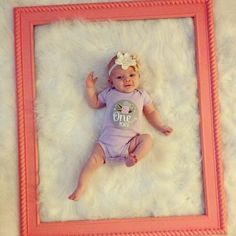 Love this idea so much for baby girl monthly pictures- I had to pin it so I would remember it!