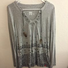 Esprit printed top Worn only twice. Go well with jeans, and shorts ESPRIT Tops Blouses