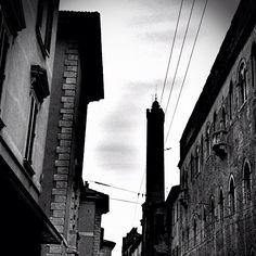 La torre e Bologna - Instagram by @ariannabologna