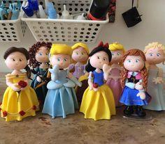 Topos de bolo Princesas Disney!  Mais informações entre em contato por e-mail ou pelo site: amandarte.artesanato@gmail.com www.amandartes.com.br