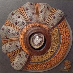Vicki Grant. Assemblage of Ceramics and Natural Objects ●彡