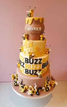We LOVE everything about bees and beehives. Check out these awesome cake decorating ideas. Bee Cakes, Cupcake Cakes, Pink Cakes, Cupcakes, Bee Birthday Cake, Bolo Fack, Bumble Bee Cake, Fondant, Honeycomb Cake