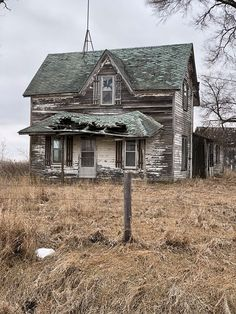 Abandoned Places, Cabin, House Styles, Home Decor, Decoration Home, Room Decor, Cabins, Ruins, Cottage