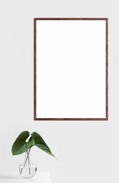 Large thin picture frame made of red walnut – Kiwi Bird Bloğ Modern Picture Frames, Modern Frames, Picture On Wood, Modern Wall Art, Diy Wall Art, Paper Picture Frames, Marco Polaroid, Instagram Frame, Frame Template