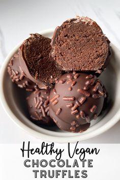 Healthy Vegan Chocolate Truffles Vegan Chocolate Truffles, Vegan Truffles, Chocolate Sweets, Healthy Chocolate, Chocolate Bars, Vegan Dessert Recipes, Healthy Desserts, Snack Recipes, Candy Recipes
