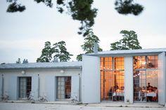 Fasaden; inte för industriell och inte för putsad/snobbig. Enkelt, men varmt. Kombinationen av material.