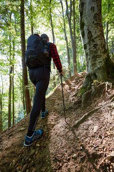 Az előző részben tisztáztuk, hogy a túrabot közel sem csak az idősebbek eszköze. Ha jól használják, akkor a legfittebbek, illetve a leginkább gyakorlott túrázók számára is hatalmas előnyt jelenthet egy minőségi túrabot .     Plusz két láb   Minden túlzás nélkül, azok számára, akik képesek kihasználni a... Minden, Hiking Boots