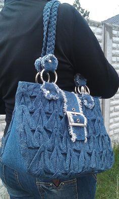 Джинсовая сумка жатая – купить или заказать в интернет-магазине на Ярмарке Мастеров | Сумочка из новой джинсовой ткани с драпировкой,…
