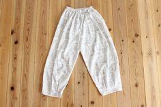 タック入りサーカスパンツの製図・型紙と作り方 | nunocoto fabric Linen Pants, Harem Pants, Sweatpants, Sewing, Fabric, Style, Fashion, Dressmaking, Tejido