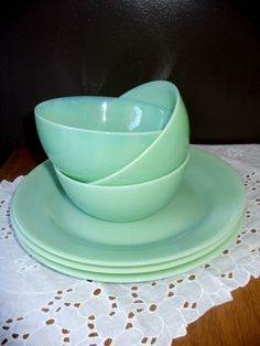 vintage dishes by catrulz