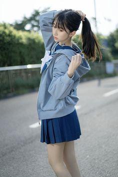 とみーたんぶらー Cute School Uniforms, School Uniform Girls, School Girl Outfit, Girl Outfits, Cute Outfits, Cute Asian Girls, Cute Girls, Cute Girl Poses, Cute Japanese Girl