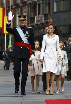 Spain's King Felipe and Queen Letizia celebrate with their family.