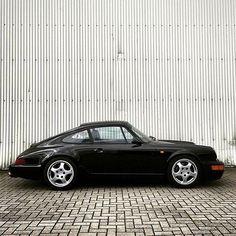 Porsche 911 964, Porsche Cars, Retro Cars, Vintage Cars, Datsun 240z, Vintage Porsche, Sexy Cars, Old Cars, Car Pictures