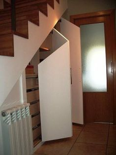Cemento ocre con nariz de madera escaleras pinterest for Hueco de escalera decorar