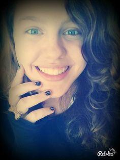 Eu sei que o meu sorriso te ameaça...