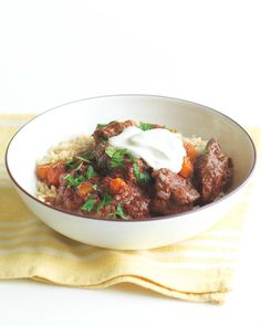 Ward off the winter frost with a warm bowl of beef-and-tomato stew. Chopped beef chuck provides lean protein, while brown rice supplies a hearty dose of hunger-quelling fiber. Carrots, celery, onions, and garlic ramp up the health factor.