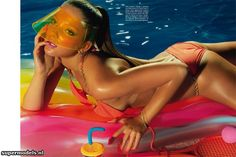 Eniko Mihalik in 'Pop-sun' - Photographed by Miles Aldridge (Vogue Italia May 2012)    Complete shoot after the click...