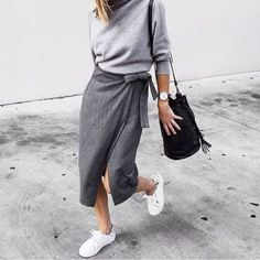 Summer's best looks are as easy as they are stylish. Enjoy our 20 Stylish Wrap Skirts outfits to rock this summer. In summer you can be much Winter Trends, Spring Trends, Look Fashion, Fashion Outfits, Fashion Trends, Sneakers Fashion, Womens Fashion, Feminine Fashion, Minimal Fashion