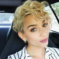 8-Short Curly Hairstyle