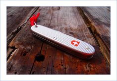 Wenger ou Victorinox ? | In My Pocket Today