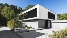 Haus G bei Erlangen - Flachdach - Wohnen - baunetzwissen. Minimal Architecture, Architecture Design, Flat Pack Homes, Interior Cladding, Modern Contemporary Homes, Home Decor Sale, Minimalist Home, Modern House Design, Building A House
