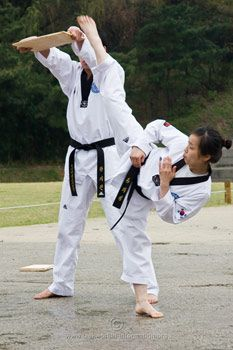 http://www.taekwondo-information.org/female-taekwondo.html