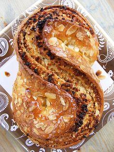 szeretetrehangoltan: Marcipános mandulás piknik kenyér...