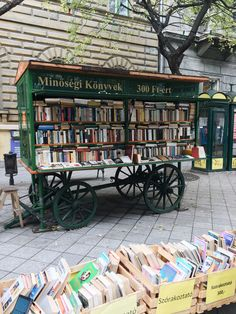 Oh my gosh! A book wagon! I love it <3//Budapest-style street bookstore//Books//Reading//Cool bookshops//