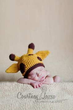 Need to get this for my giraffe loving baby boy! {Etsy}