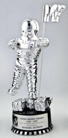 Michael Jackson MTV Award.  - http://www.michael-jackson-memorabilia.co.uk/?p=7673