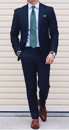 Simply put… it's a good look Einfach ausgedrückt … es sieht gut aus man anziehen soll Mens Fashion Suits, Mens Suits, Best Suits For Men, Blazer Outfits Men, Formal Men Outfit, Mens Smart Casual Outfits, Stylish Outfits, Men Casual, Blue Suit Men