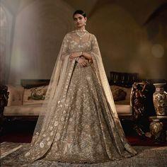 Lehnga Dress 418060777910917981 - Lehnga Dress 418060777910917981 Source by - Asian Bridal Dresses, Desi Wedding Dresses, Indian Wedding Outfits, Bridal Outfits, Designer Wedding Dresses, Indian Dresses, Indian Outfits, Designer Bridal Lehenga, Gold Lehenga